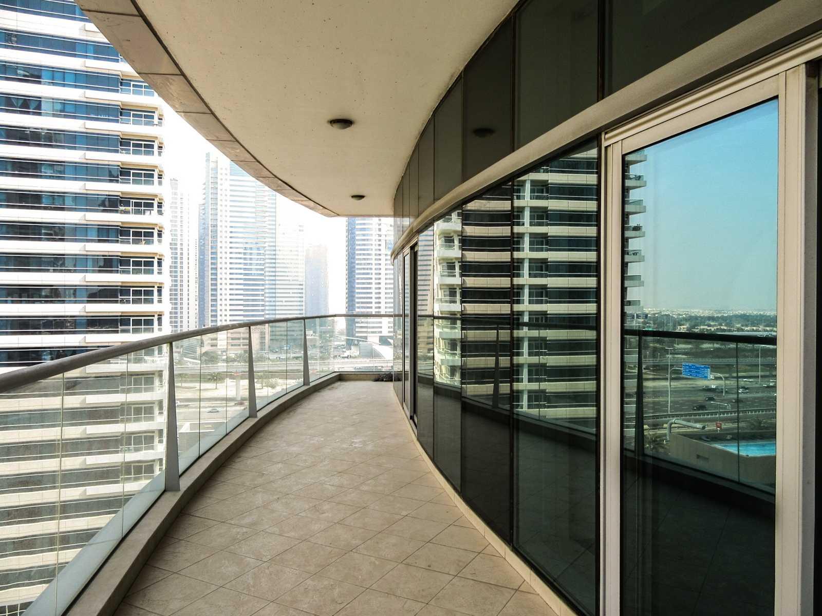 Stunning 2 BR + Maids + Study   Marina View