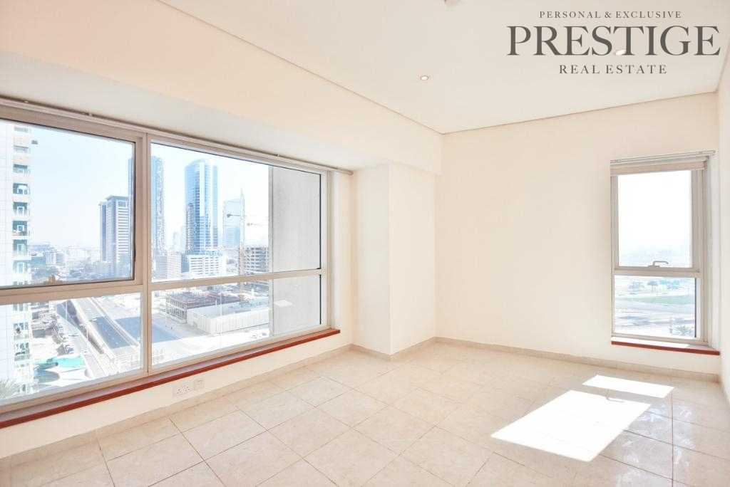 Exclusive | Close Kitchen | Huge Living room