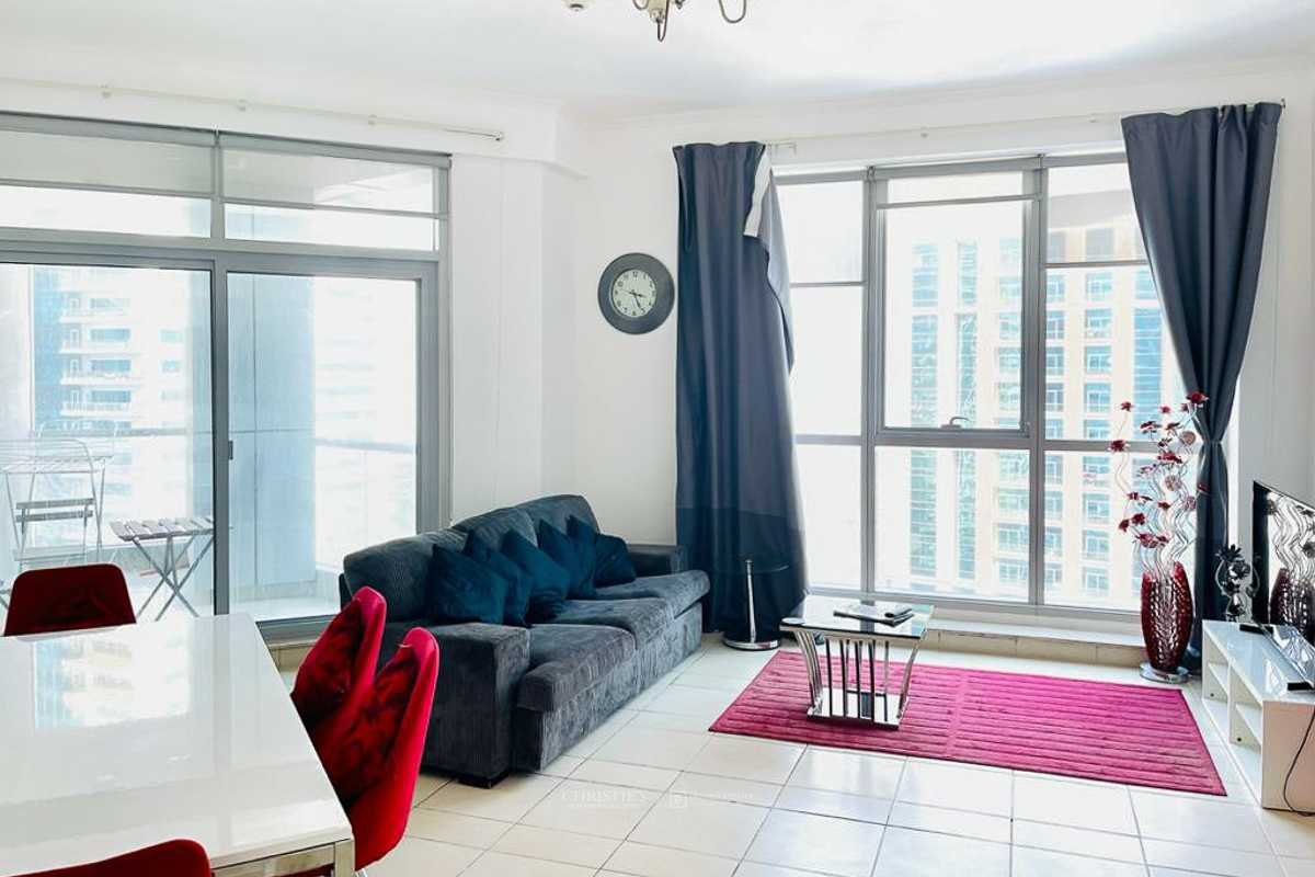 Amazing deal   Vacant   Great Views   Furnished