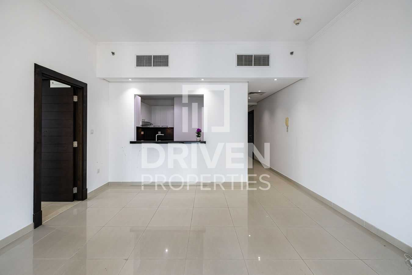 Spacious   High Floor   Ready To Move In