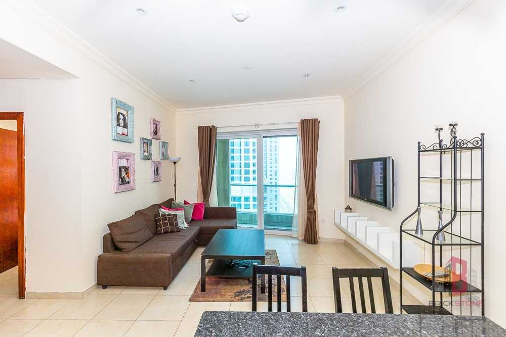 Spacious   Well Maintained   Best for Investment