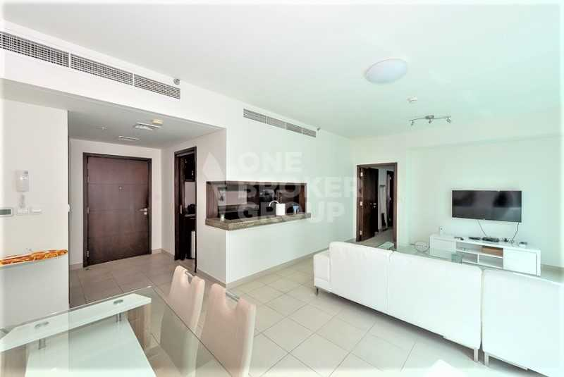 Unfurnished high floor, large layout , water view