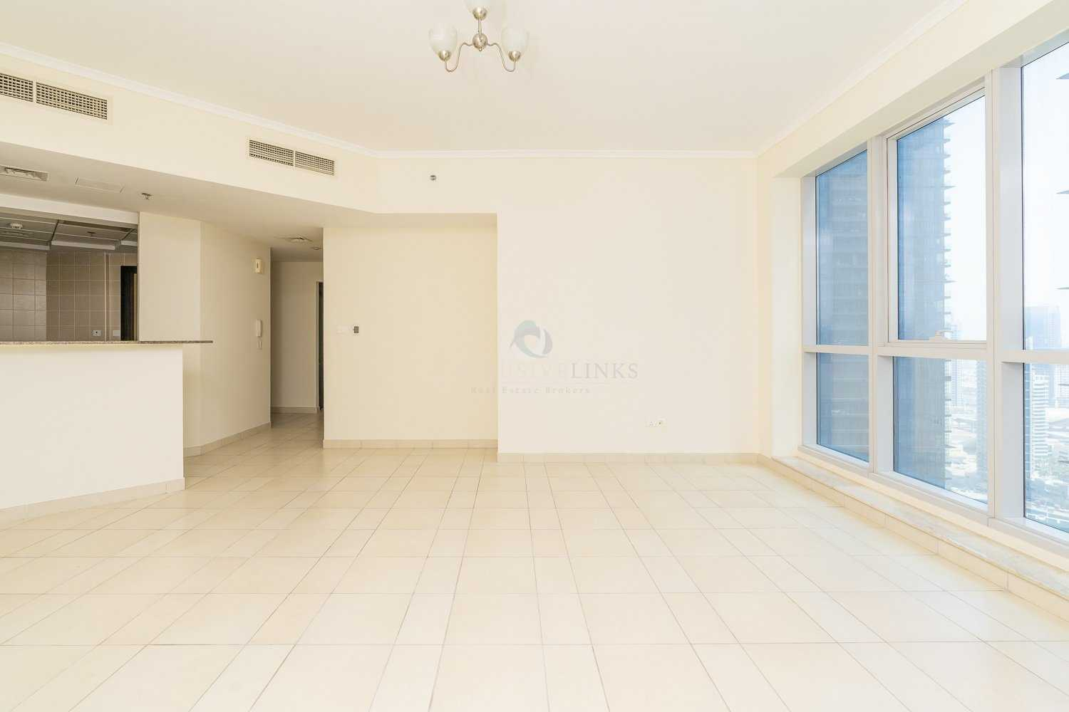 Beautiful high floor 2 bedroom apartment with fant