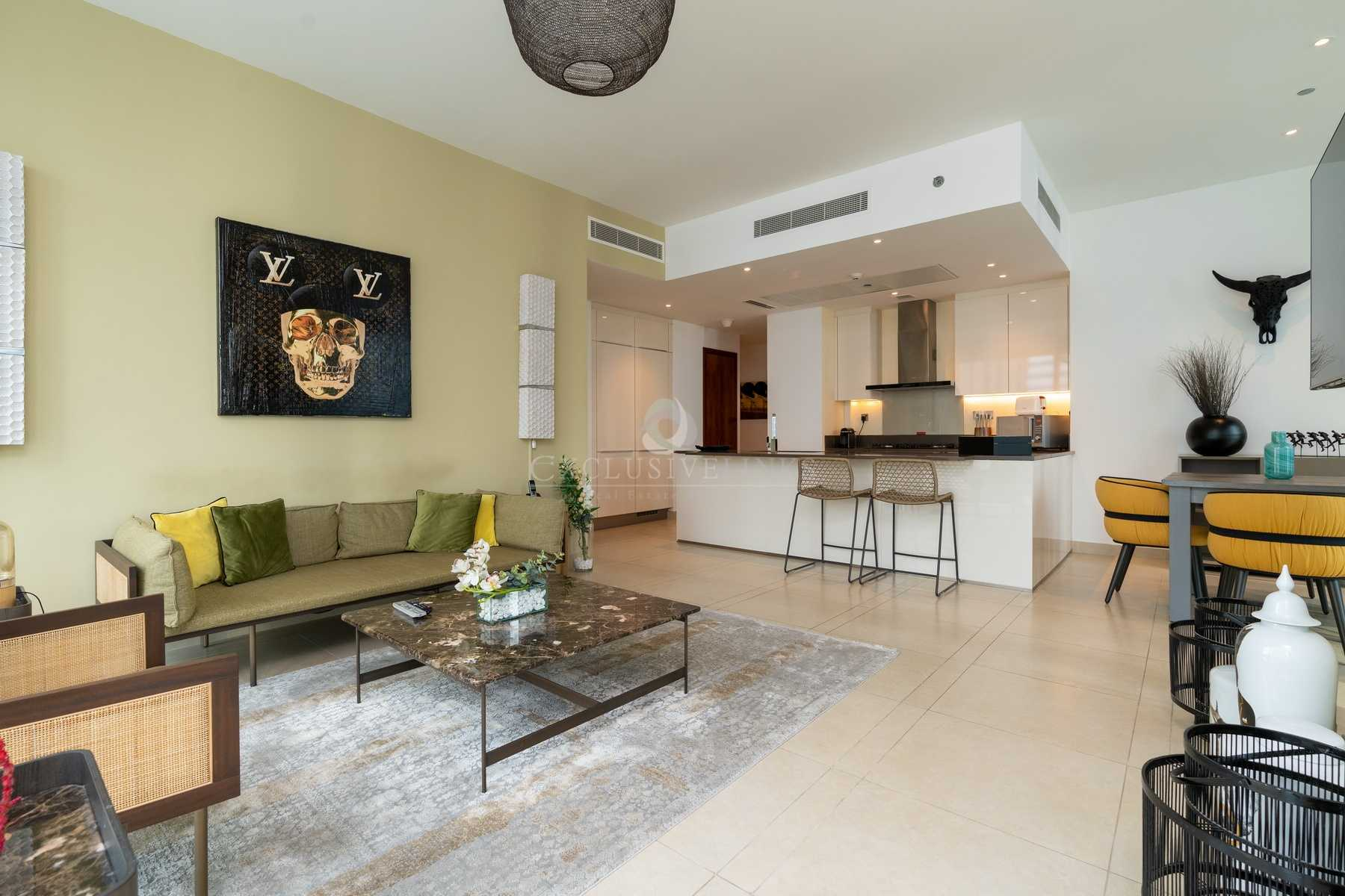 Luxurious corner two bedroom with fully furnished