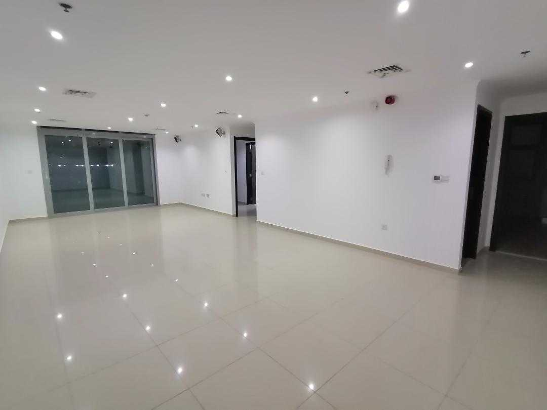 Dubai marina , 2 b/r with chiller free , 4 cheques , balcony , low floor
