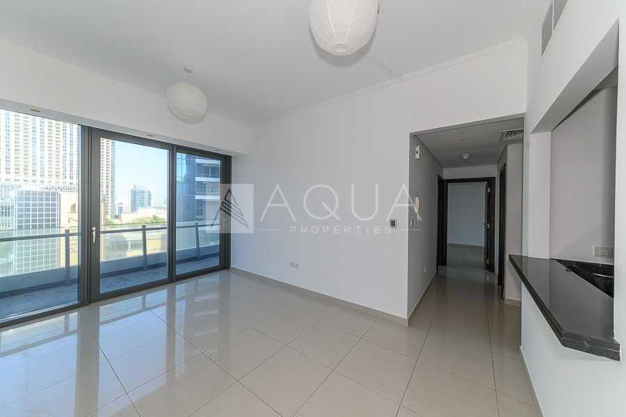 MID FLOOR   FULL MARINA VIEW   AVAILABLE NOW