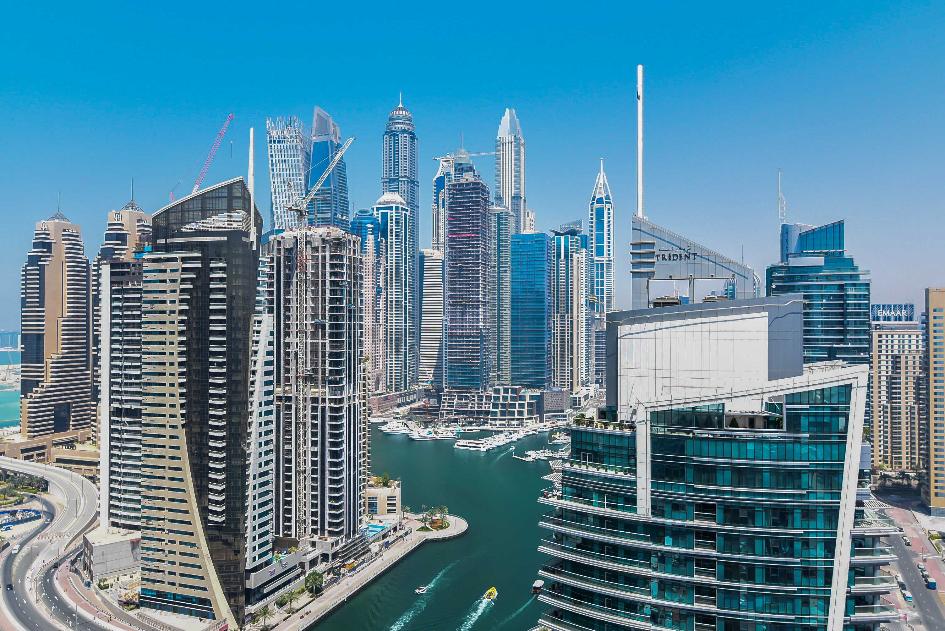 Stunning 1 Bed   Marina View   Chiller Free