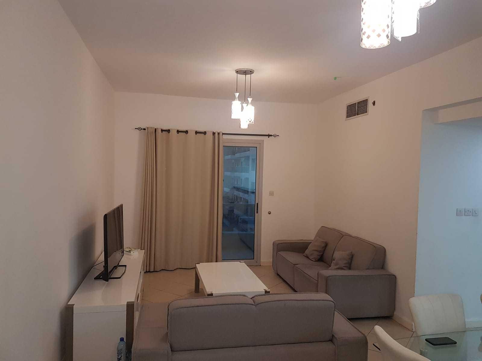 Spacious  2 Bedroom + Hall For Rent 75k In Marina Diamond 1 Dubai Marina With Partial Marina View