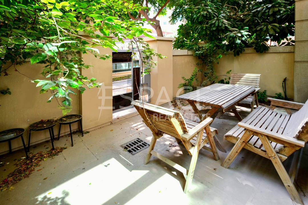 Spacious Apartment   Ground Floor   Garden