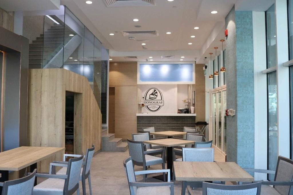 Fitted   Restaurant for  Sale  in Marina  Walk