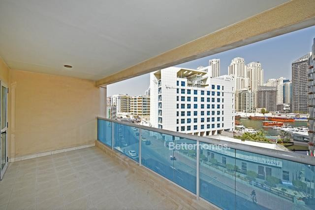 Great size property with a Marina View