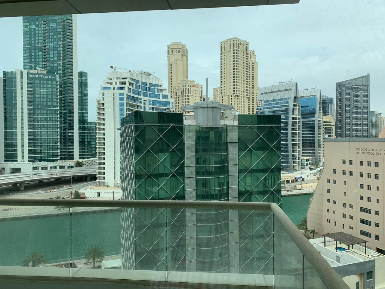 Specious 3 Bedroom apartment for rent AED 1,18,000/- by 4 Cheques in KG Tower Dubai Marina