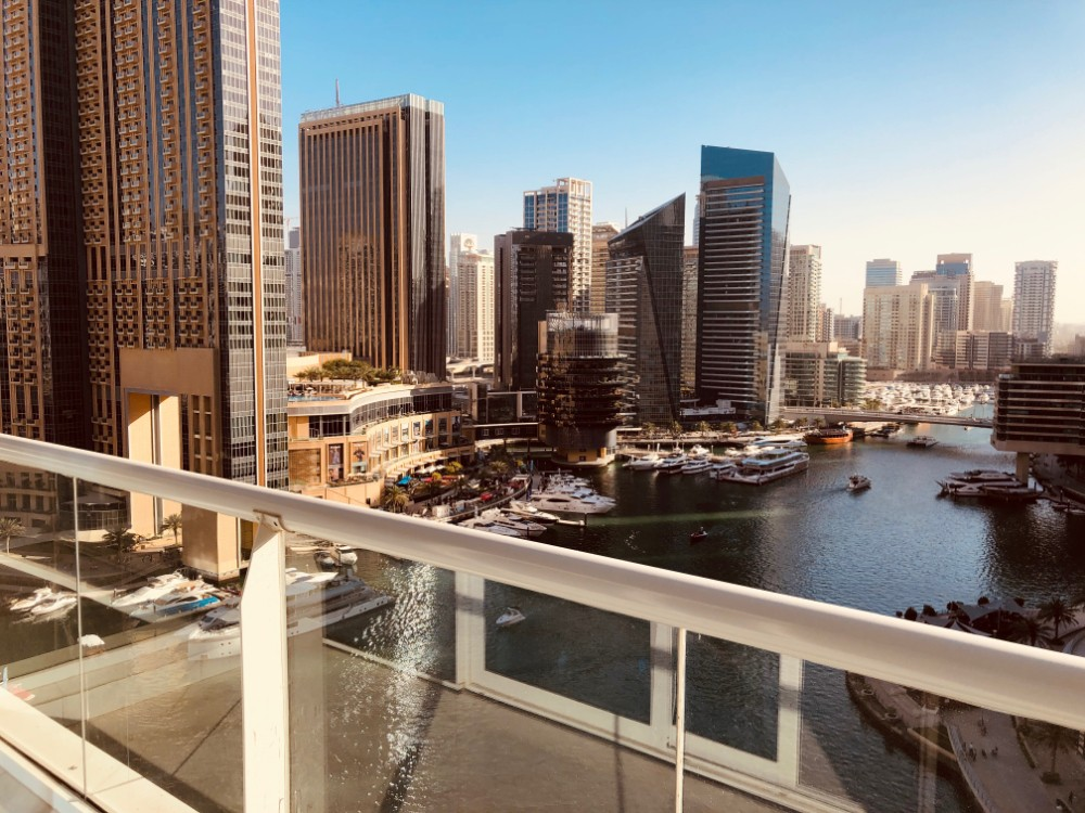 HIGH FLOOR FULL MARINA VIEW READY TO MOVE IN