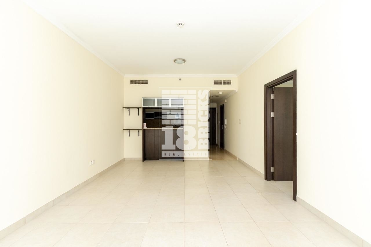 Partial Sea View   Well Maintained Unit
