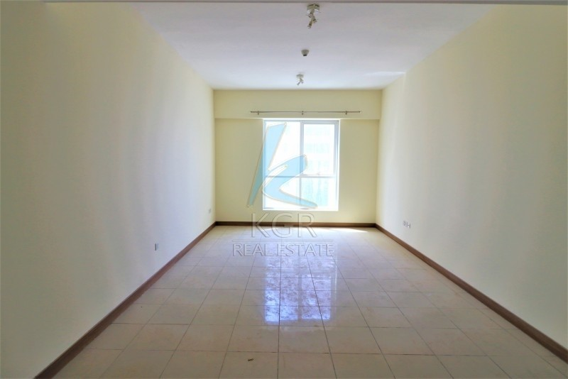 Sea View |  Chiller Free |  3 Bedroom Vacant.