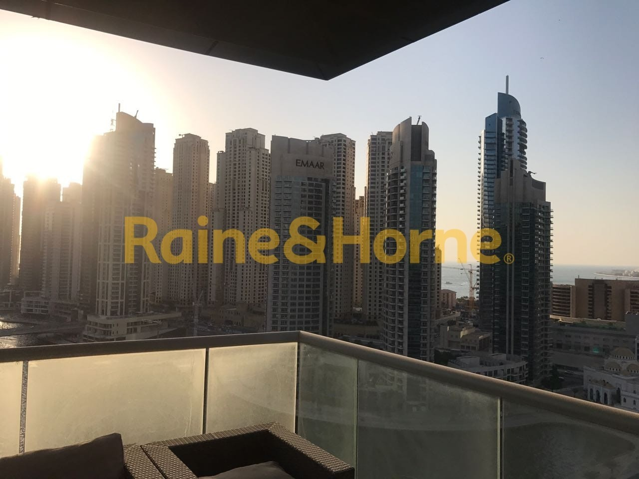 Fully Furnished 3 Bed, Full View of Marina