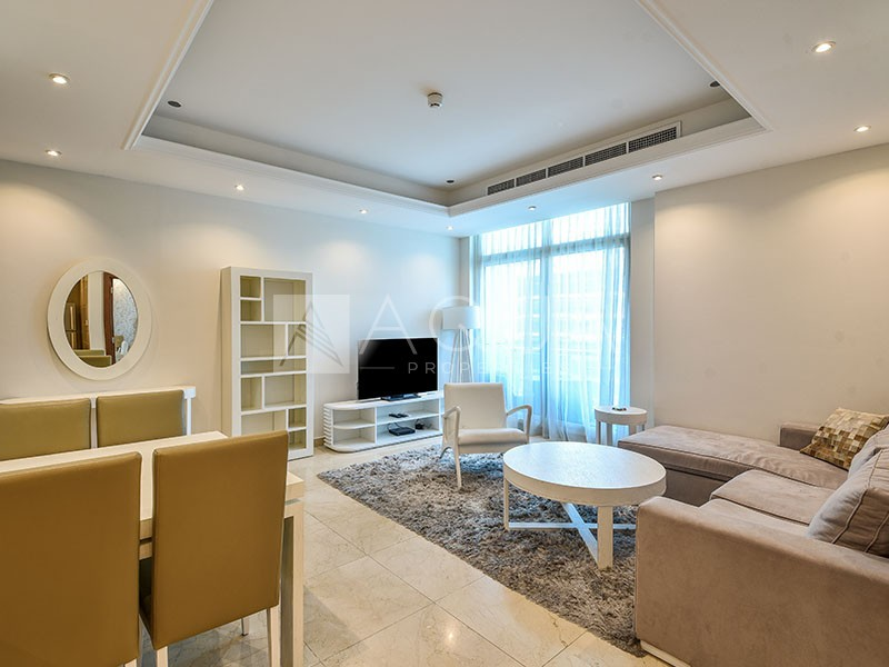 Spacious 1 BR | Well Maintained | Marina view