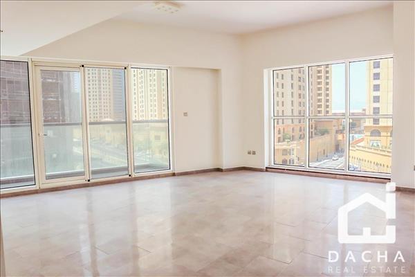 Stunning lowfloor apartment/ Full Marina View!