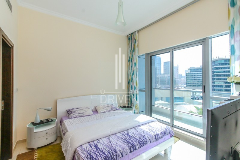 Furnished 1BR Apt, with Pool View.