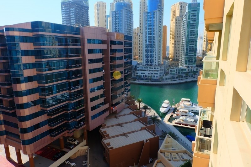 Huge 2BHK for Sale|2 balconies|Great Location in Marina