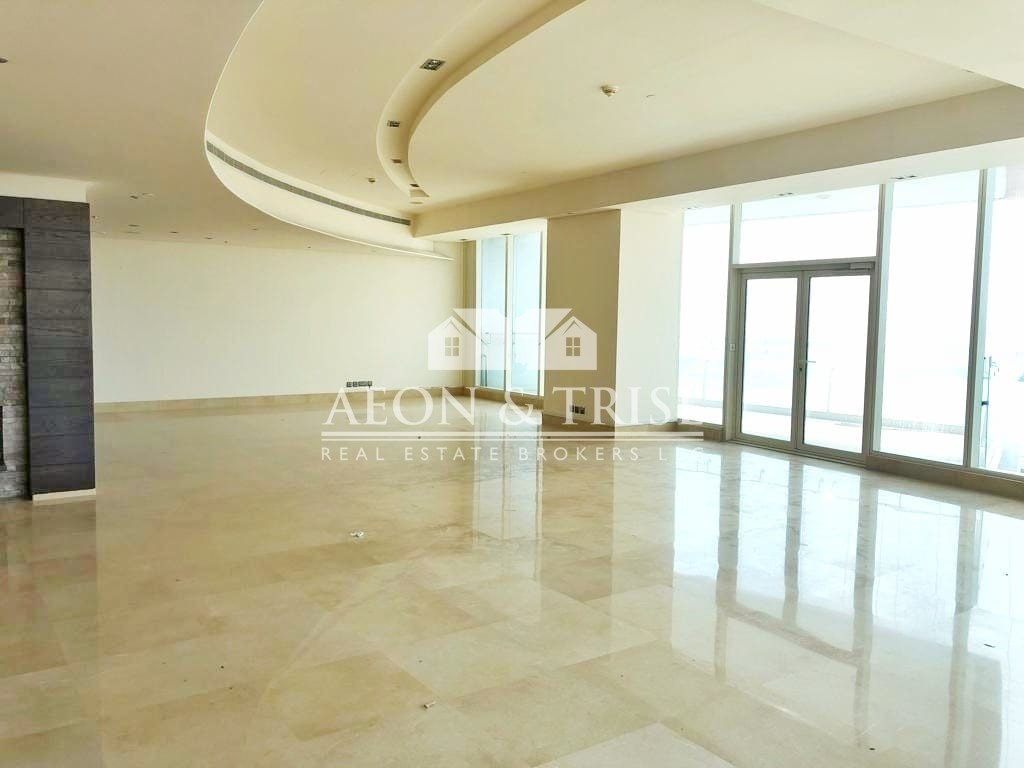 Exclusive 4 Beds Apartment, Full Sea View