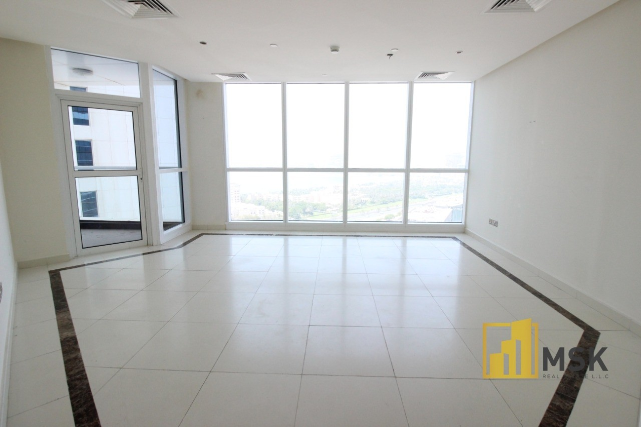 SEA VIEW | SPACIOUS 3 BEDS | HIGH FLOOR
