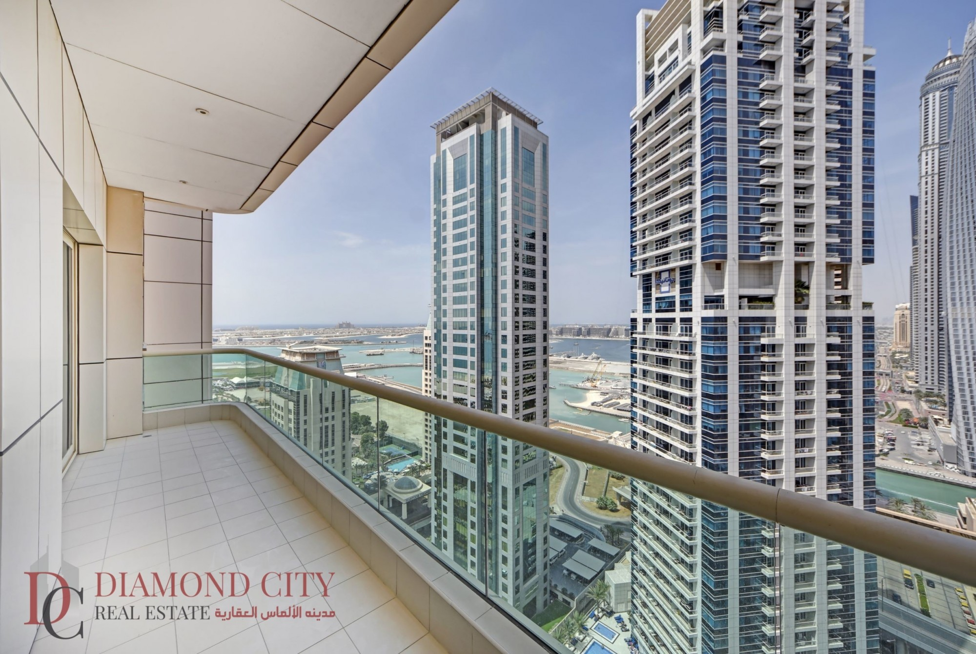 Marina views * Large terrace * 6 cheques