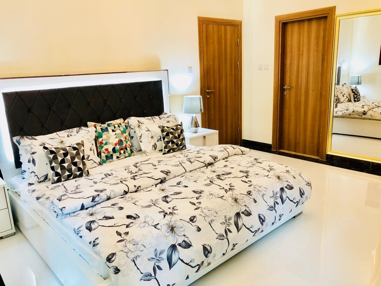 FULLY UP GRADED | FULLY FURNISHED | HIGHER FLOOR