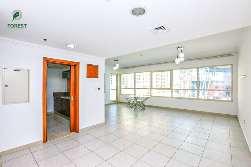 Huge 2BR   Vacant on Transfer   Marina View