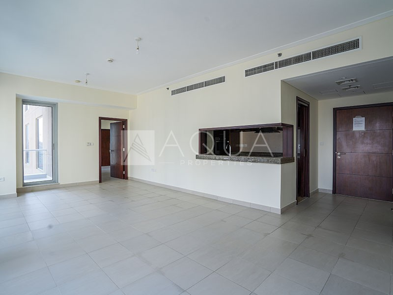 Naturally Well Lit   Amazing 1 Bedroom Unit