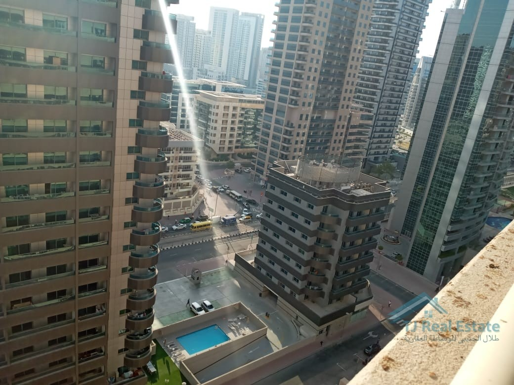 WELL MAINTAINED  1BR HALL IN DREAM TOWER DUBAI MARINA