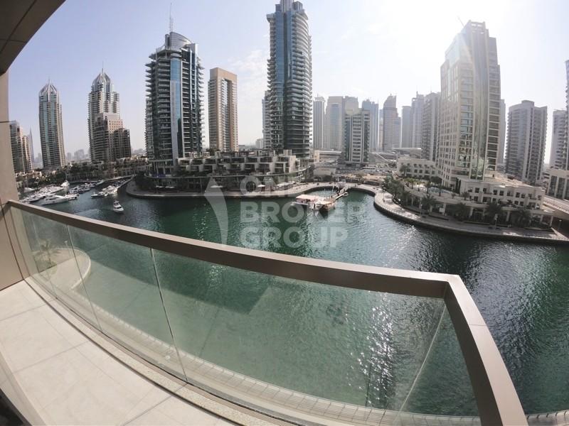 Full Marina View, 2 Bed Apt with Balcony.