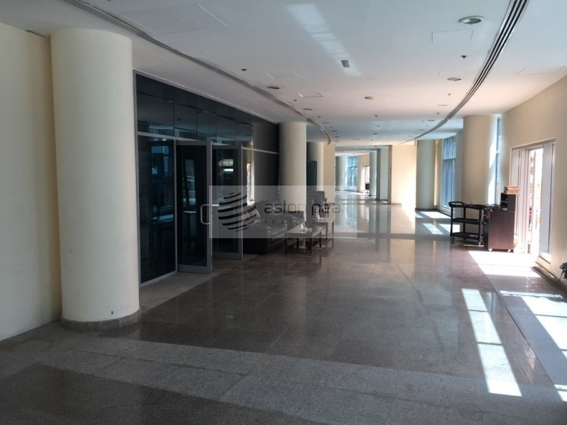 Fitted Retail Space | On Promenade Level, Vacant