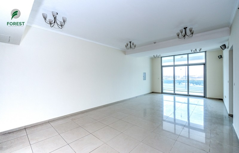 Huge 2 Bedroom Apartment Vacant and Unfurnished