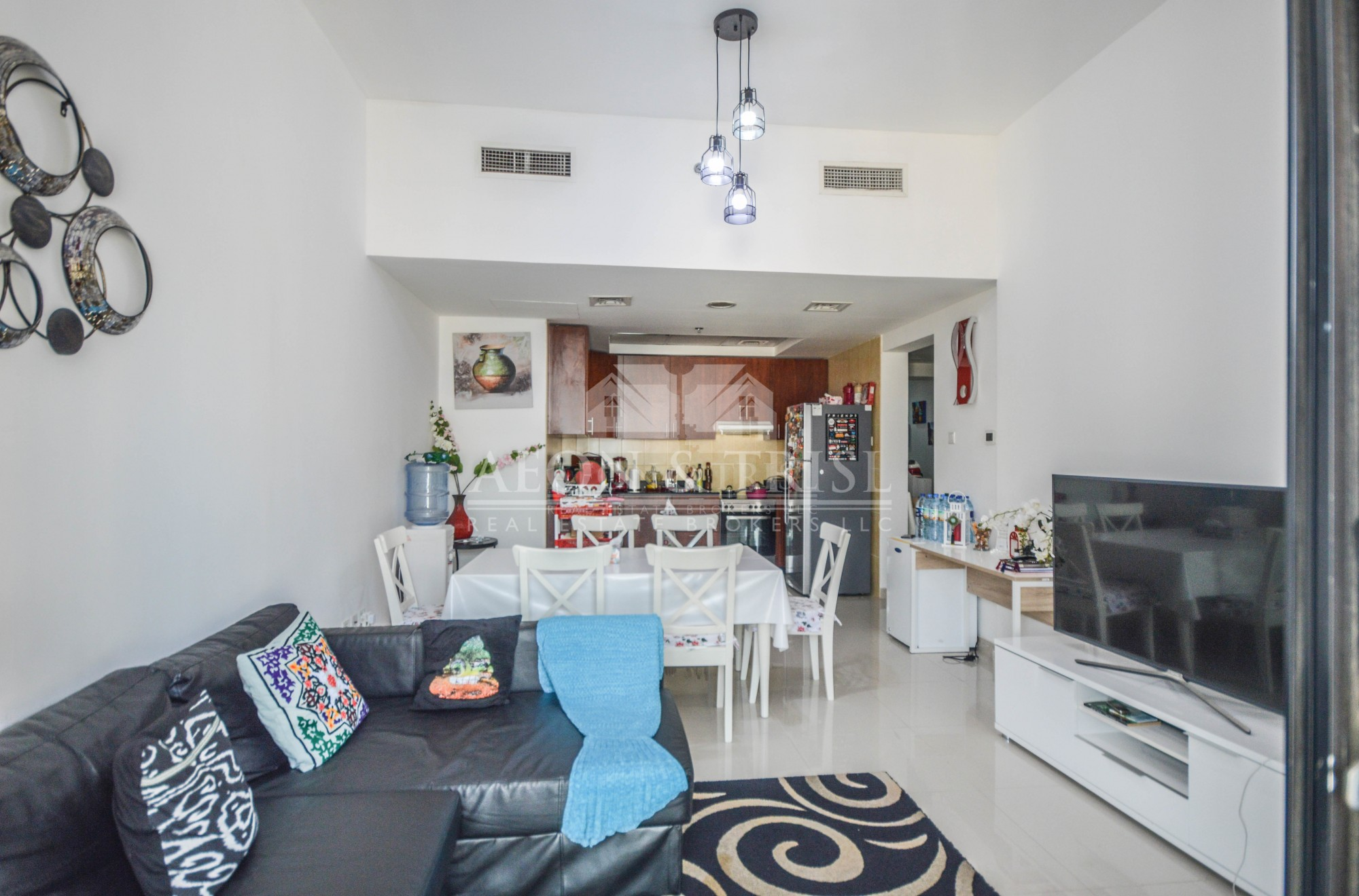 Chiller Free | Well-maintained | Mid Floor | 2 Bed