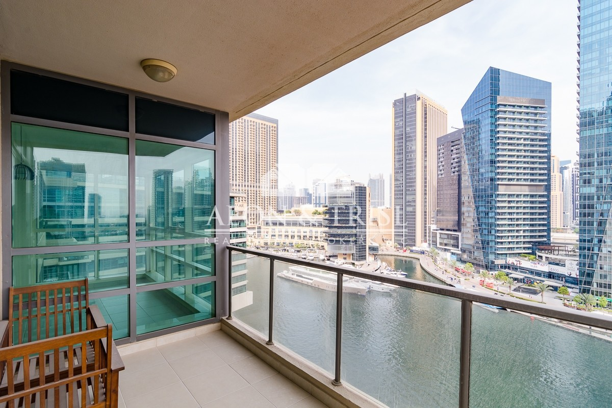 Upgraded 2 Beds in Marina Quays! Best view of the Marina.