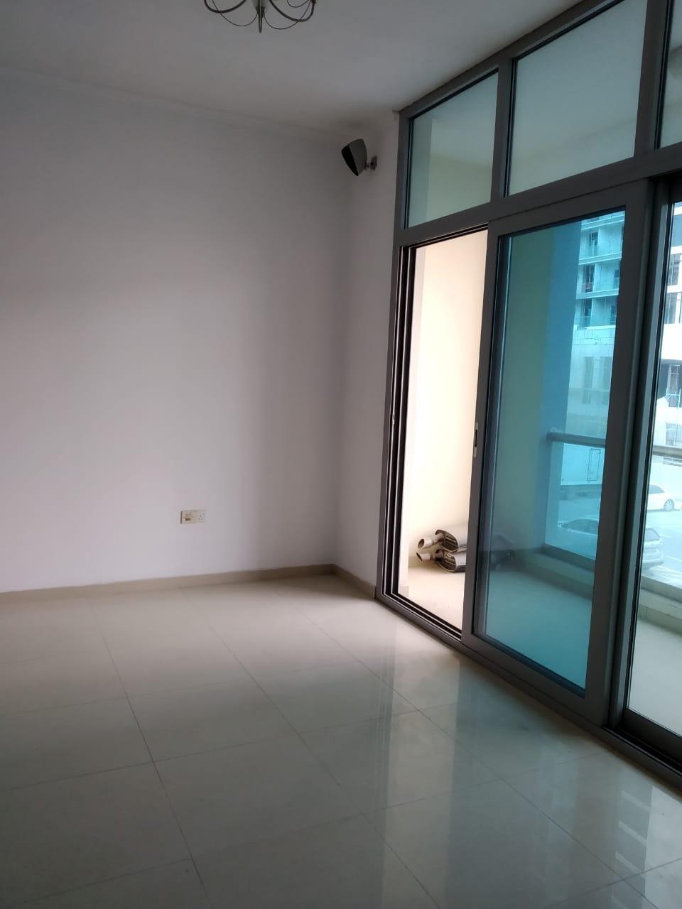 DUbai Marina DEC tower 1 Vacant Studio with balcony semi furnished marina view Rent 38k/- by 4 cheqs