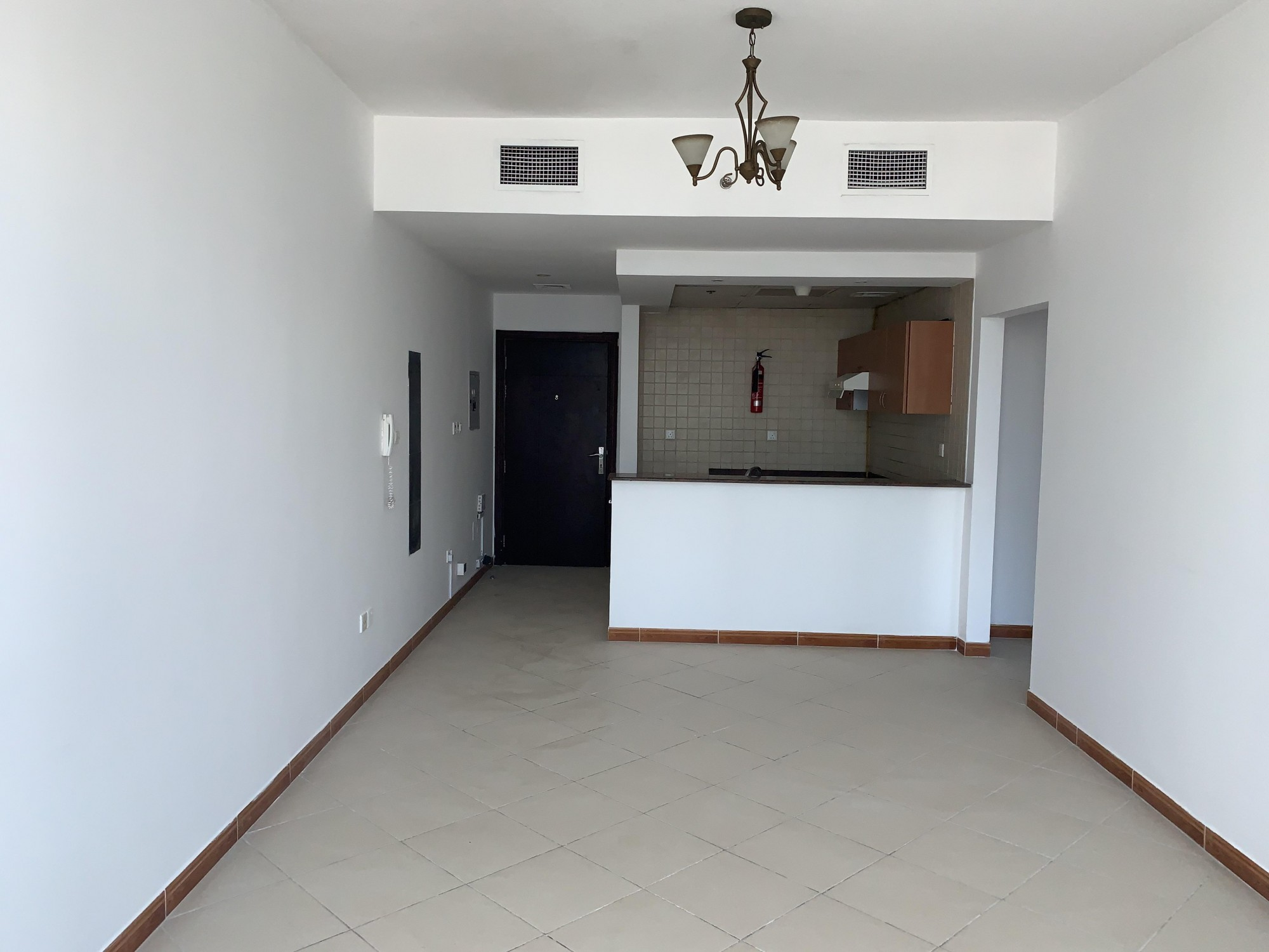 Chiller & Gas Free ! One Bed ! Higher Floor
