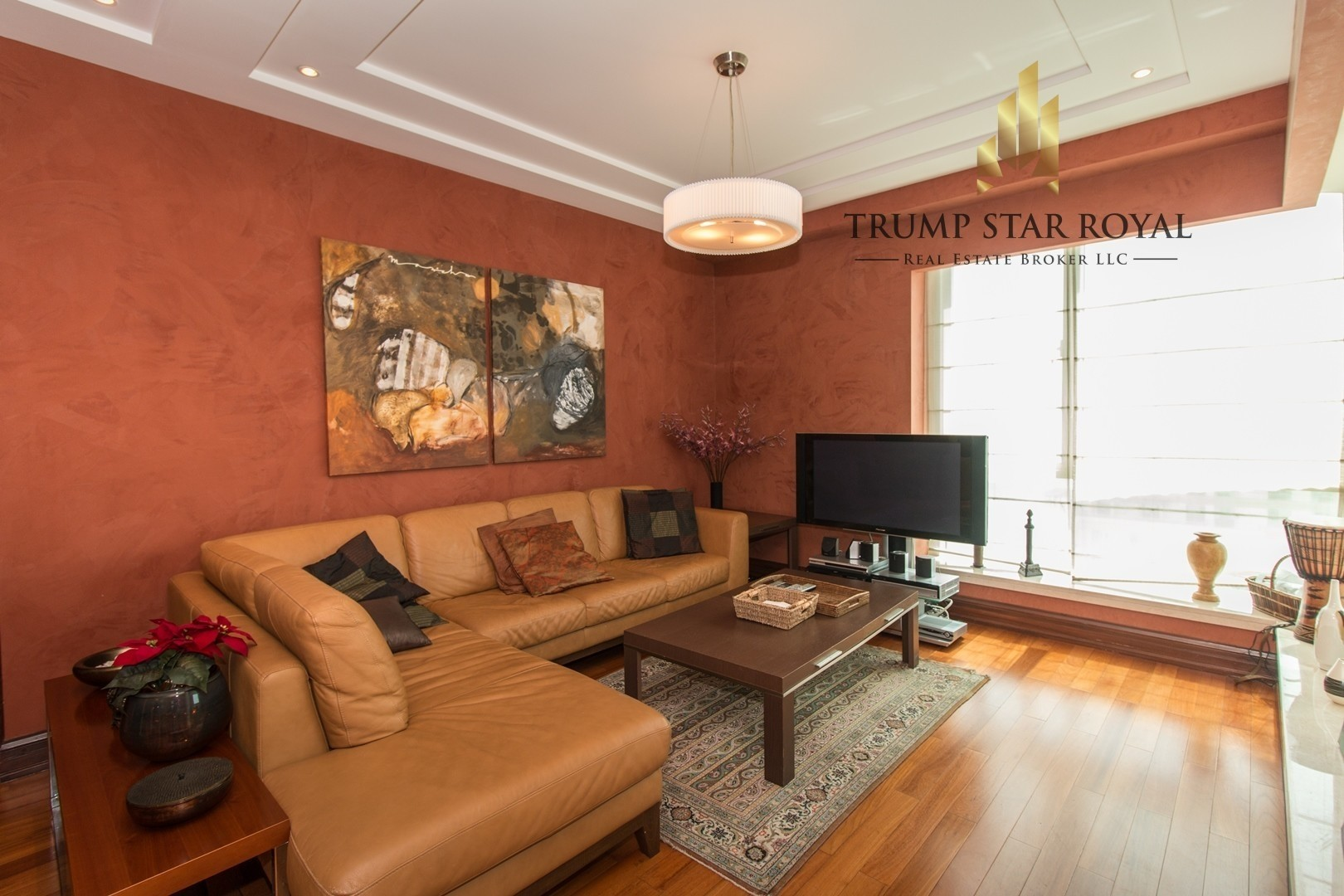Elegantly Furnished 2Br+Study in Six Towers