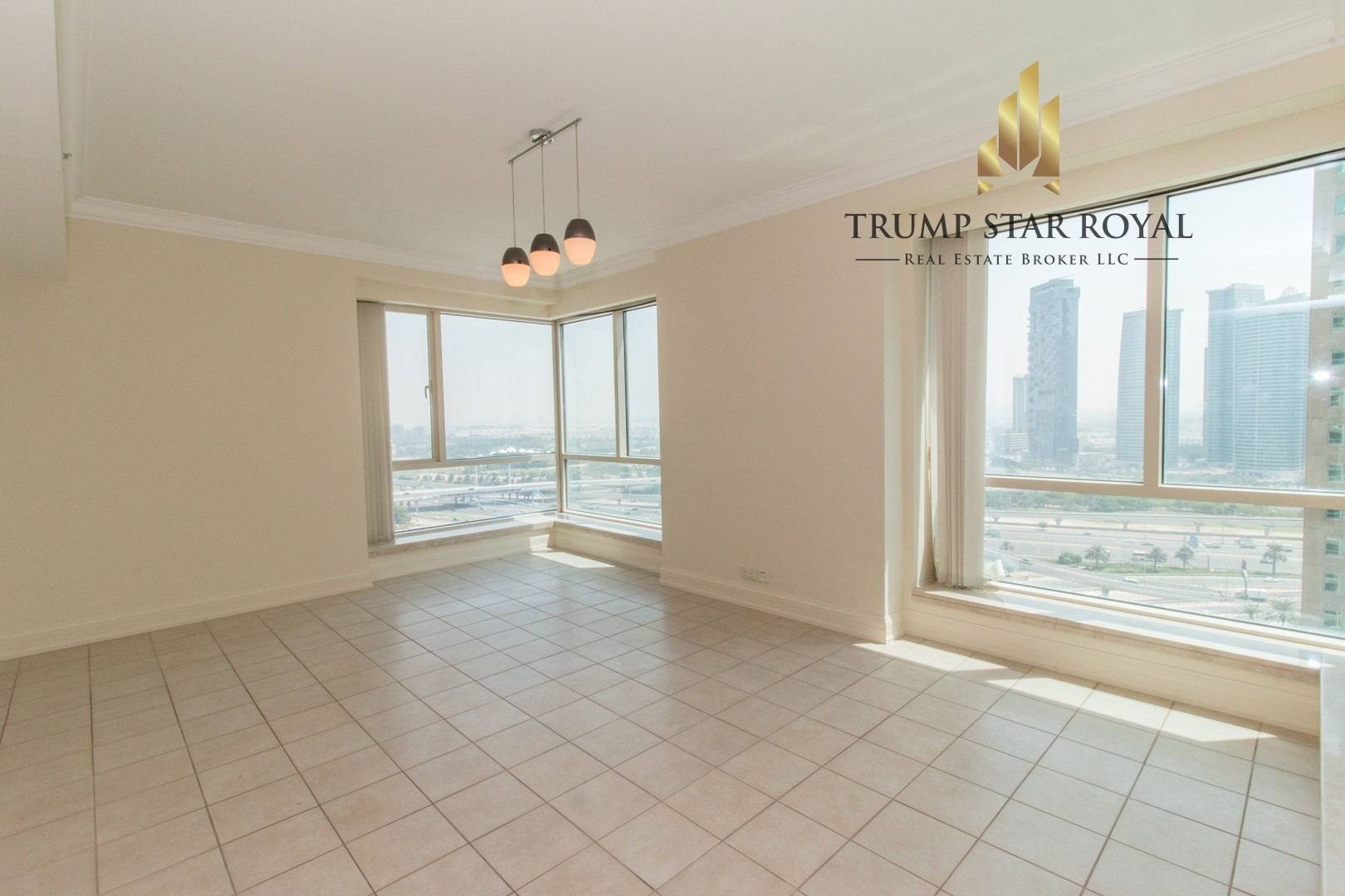 Marina View 3Br+Study Apt in Al Mass