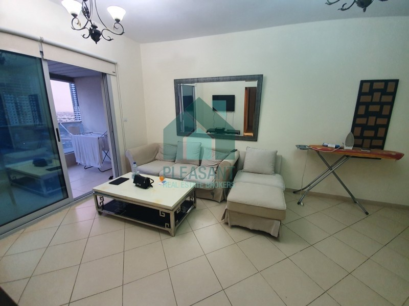 2B/R Lounge Fully Furnished Next to Metro and Tram