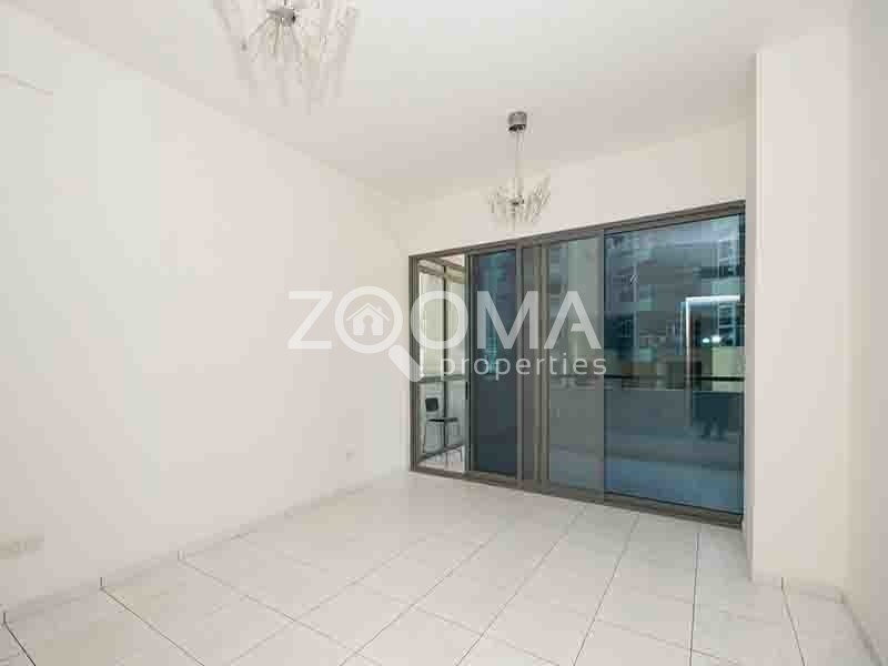 Chiller Free| 1 Bed in Azure Close to Metro
