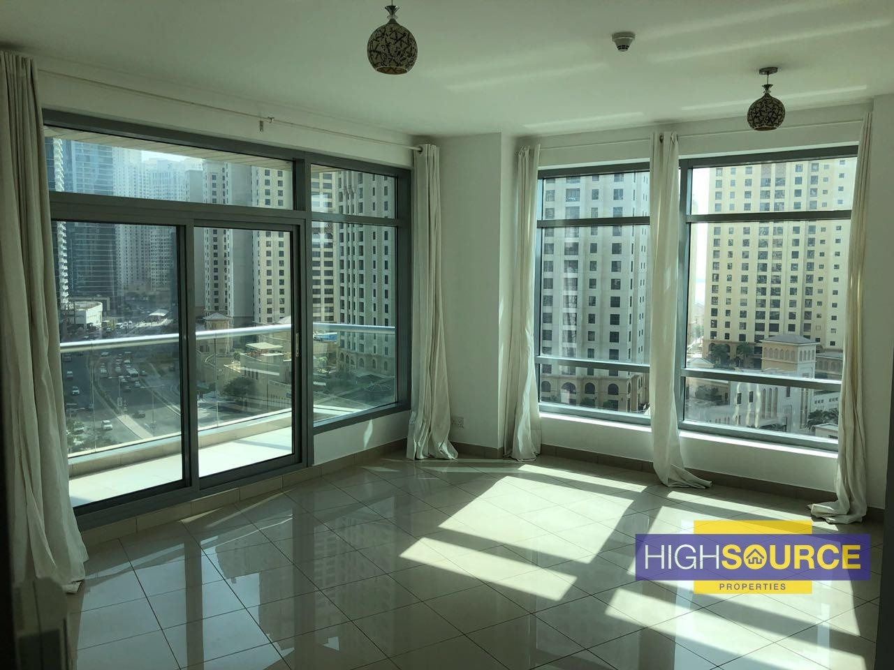 LARGE 1 Bed for Rent in Blakely Tower - Park Island