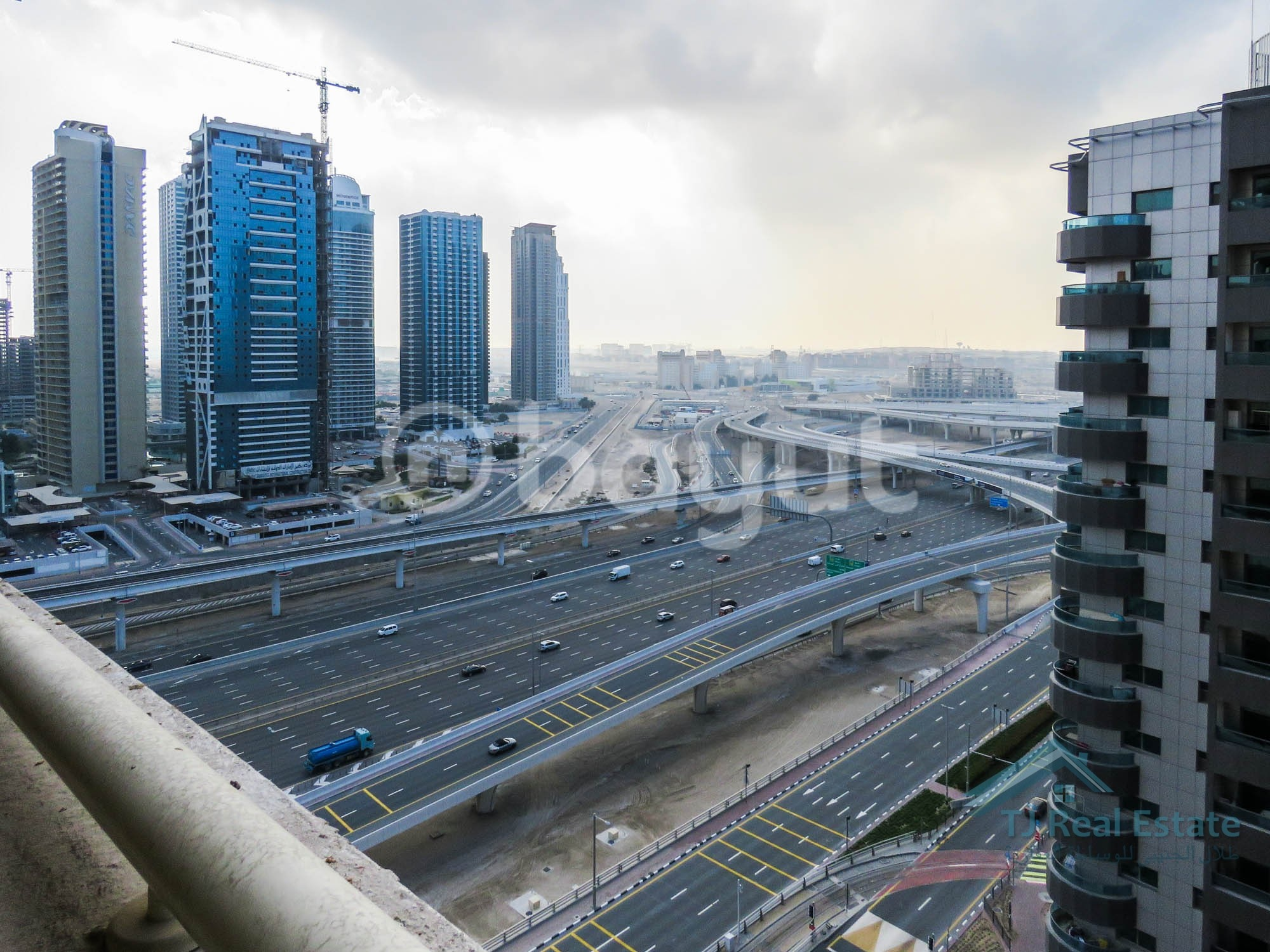CLOSE TO METRO STATION | BEST PRICE | DREAM TOWER
