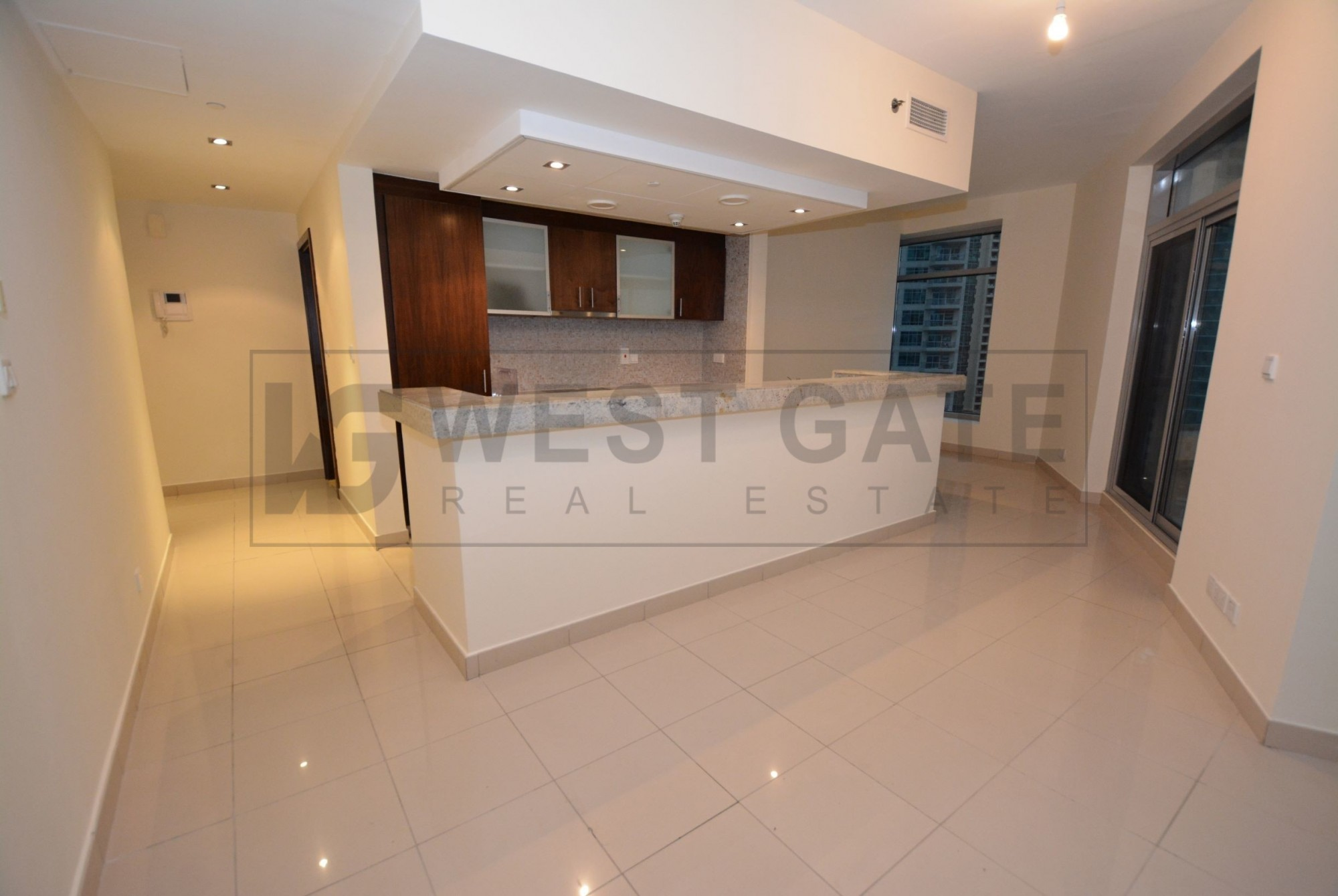 Well Maintained   Community View   w/ Balcony