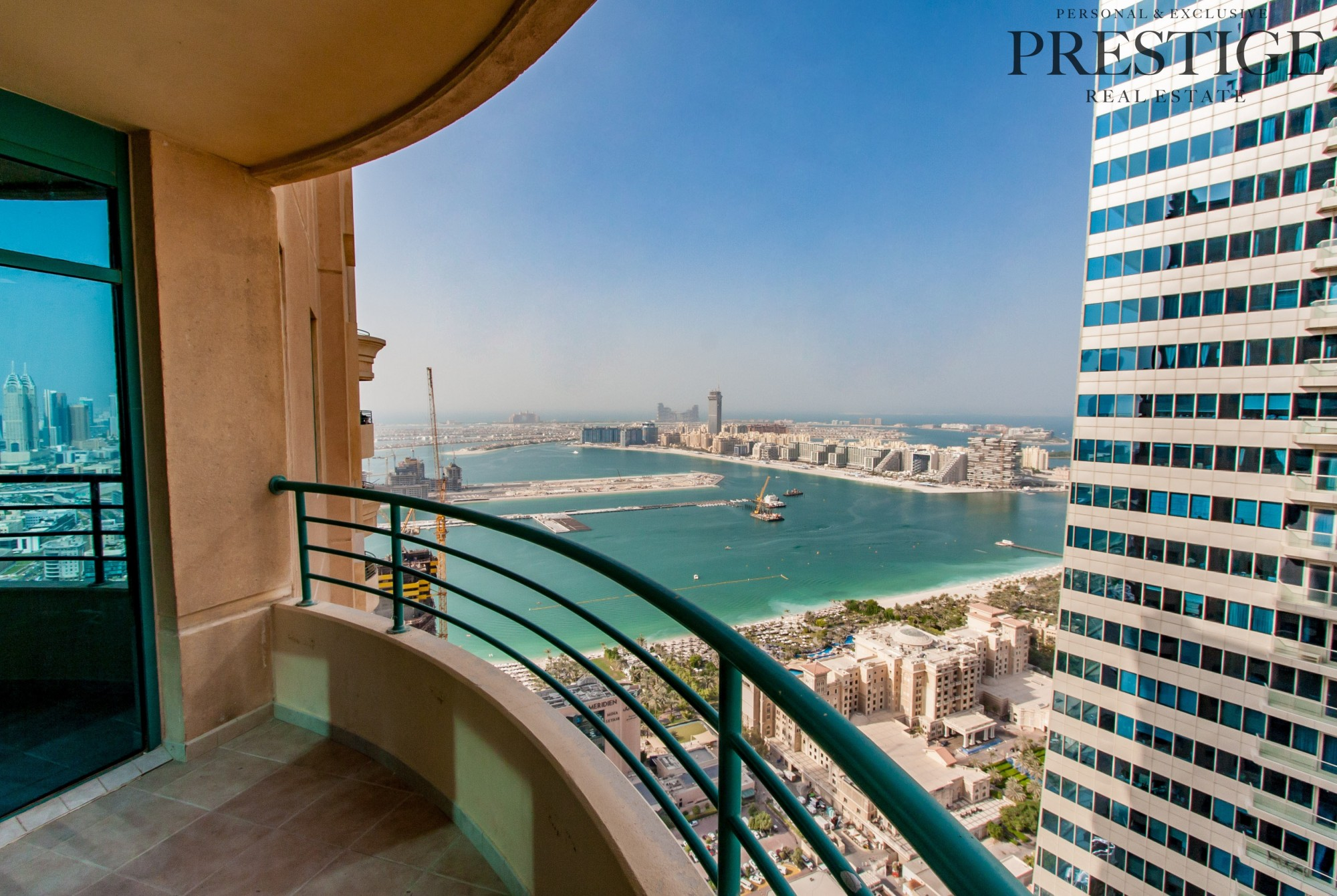 Panoramic Views I 4 Bed + Maids I Investment