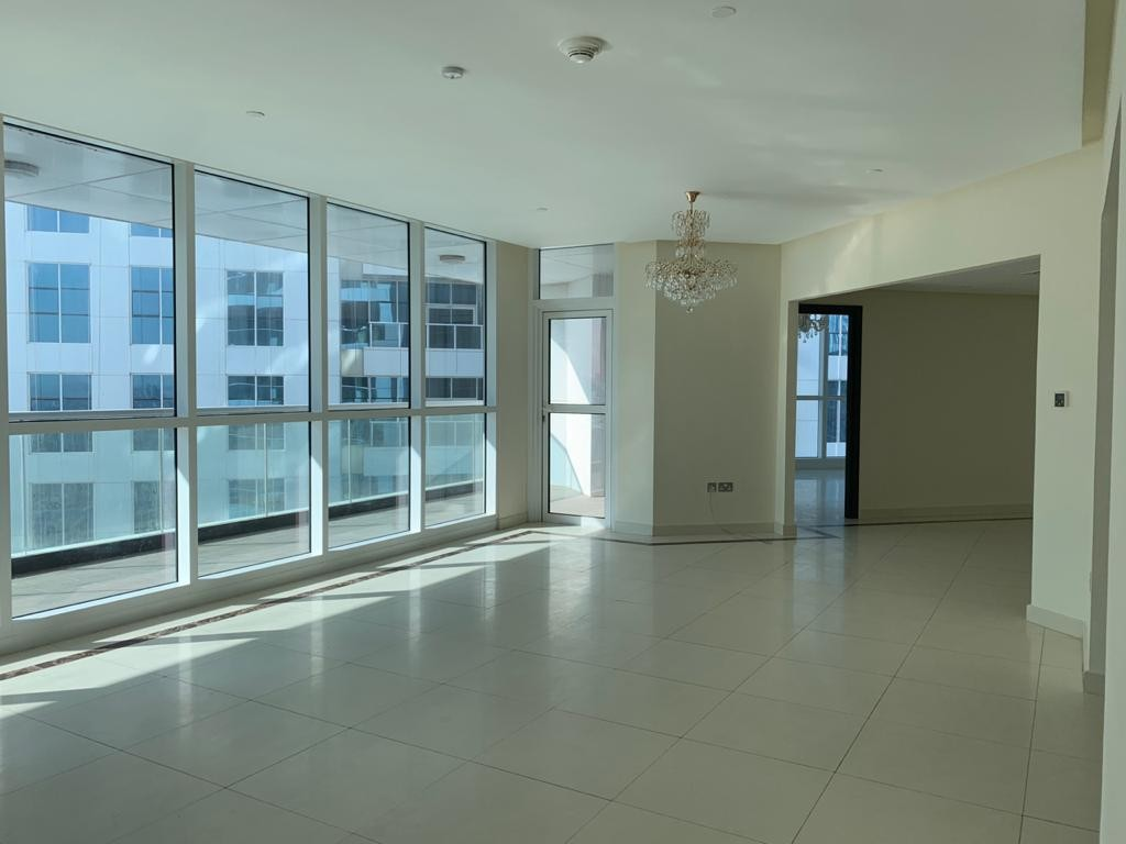 3 Bed with  View of Marina,Sea and Shk Zyd Road