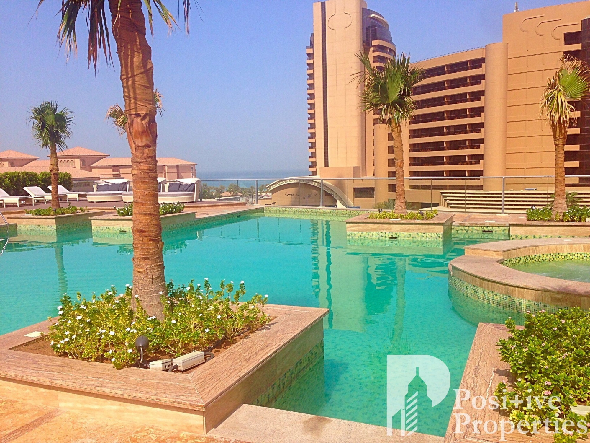 Spacious 2Bed + Study- Sea View- Fully Furnished