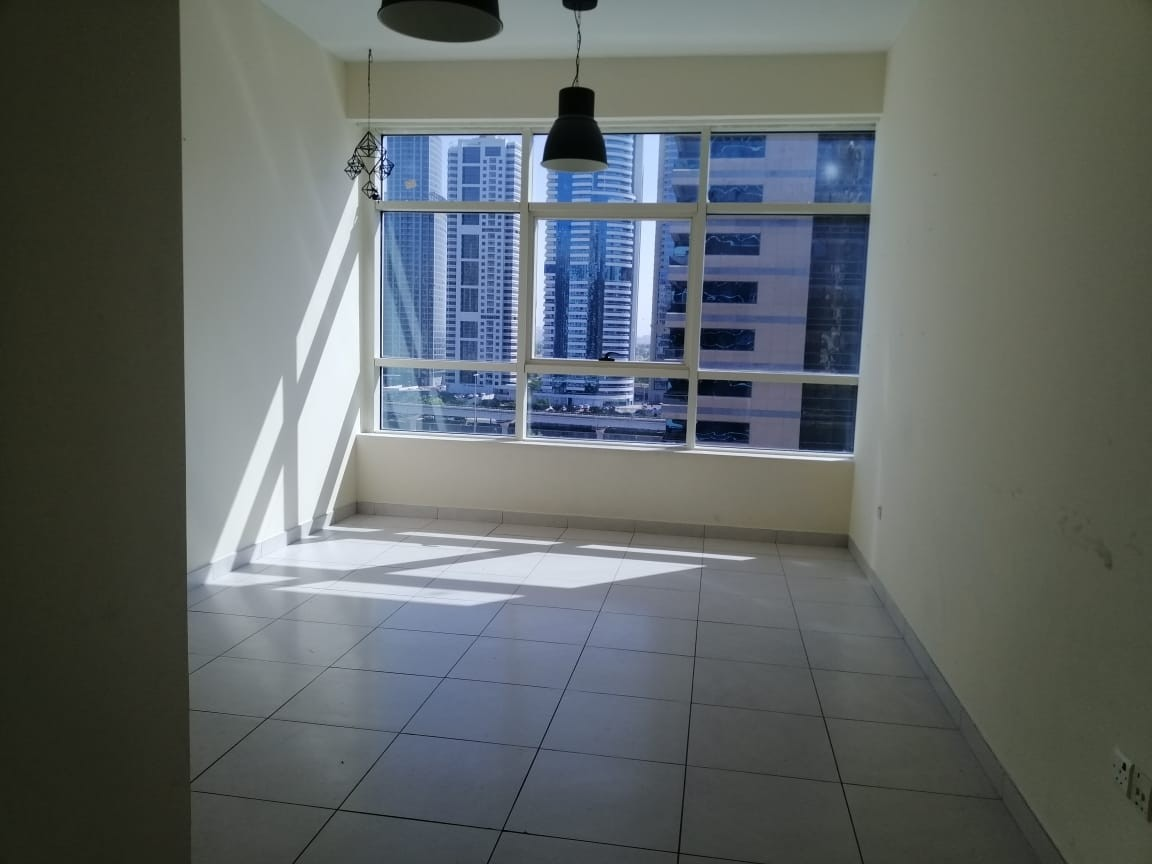 2 Bhk Apartment with overview of Sheikh Zayed Road in Marina