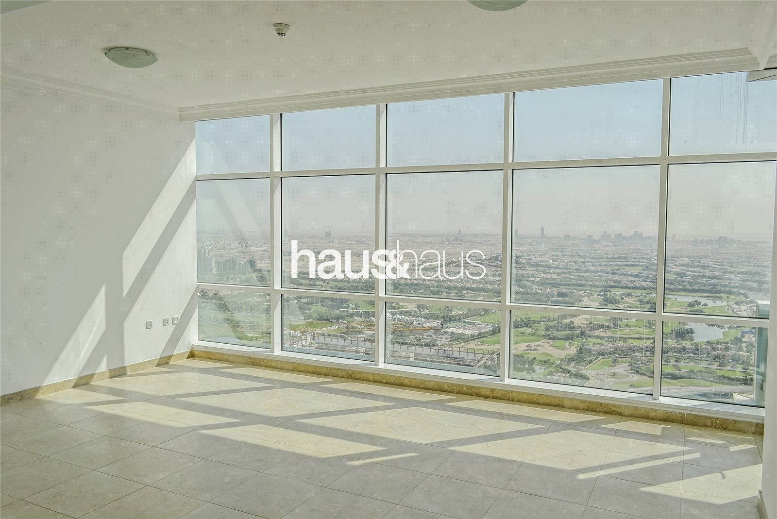 MAG 218 | Large Layout | Golf Course View